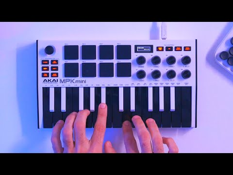 Making A Trap Beat With An 808 Sample Pack on the Akai MPK Mini MK3