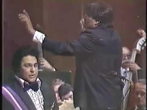"Alfredo Sadel ""Desesperanza"" (En vivo: Teresa Carreño, 1988)"