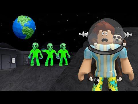 I Went To BLOXBURG SPACE.. Aliens Had EVIL Secrets! (Roblox)