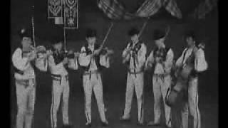 Sága krásy - Slovak folk music. Terchova village. Keby moje …