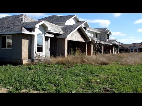Abandoned Places - Tundra Village - Post Apocalypse  (Creepy)