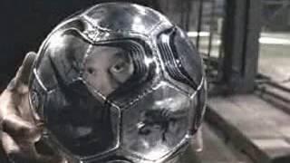 Футбол в клетке. Все самые знаменитые футболисты.