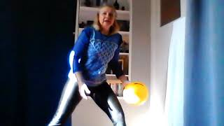 N°14/By Sylvie FREGEZ/gym avec petit ballon