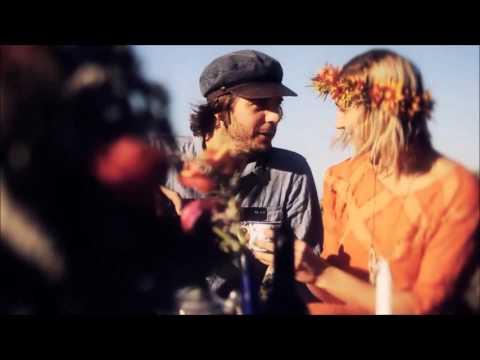 Hamilton, Joe Frank & Reynolds - Fallin'  In Love {HD}