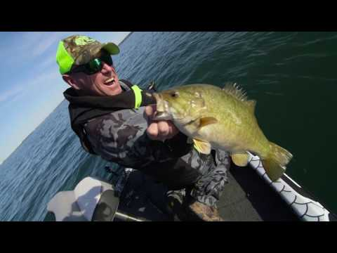 Smallmouth Smash-Fest with Simon Frost - Dave Mercer's Facts of Fishing 2016 Full Episode #6