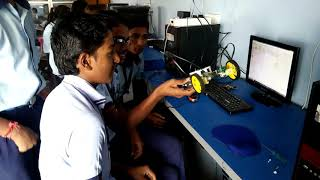 9class student in ATL lab