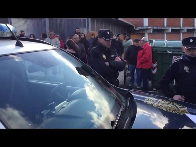 Vecinos y familiares buscan al sexagenario desaparecido en Monte Porreiro