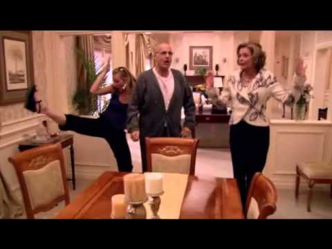 Arrested Development - George, Lucille, Lindsay & G.O.B. Chicken Dance