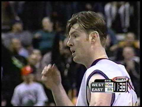 7'8'' Neil Fingleton Eviscerates Brian Boddicker's Shot, Boston Crowd Goes Wild