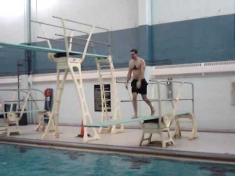 Diving tricks winter 2008 doovi for Swimming pool diving board tricks