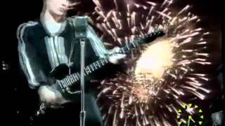 Aztec Camera and Mick Jones - Good Morning Britain (1990)