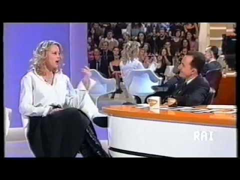 Daniele Luttazzi intervista Anna Falchi (Satyricon 2001)