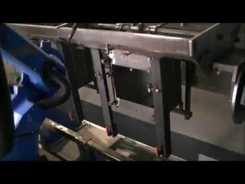 Yaskawa Motoman twin robot last JAcobus houtkachels.
