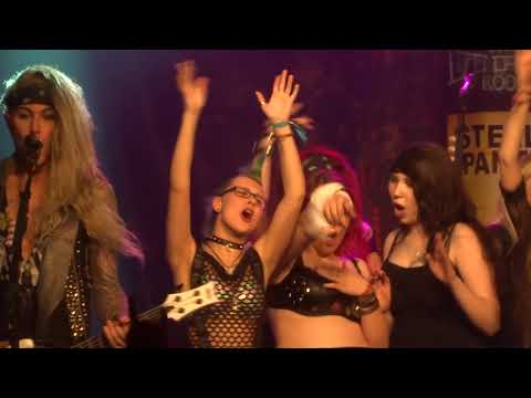 Steel Panther - 17 Girls In A Row (2018 live @ LKA-Longhorn Stuttgart)