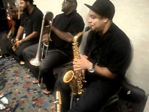 Jeff Bradshaw, Mike Burton, Melvin Jones, Derek Scott playing the blues at soundcheck 1
