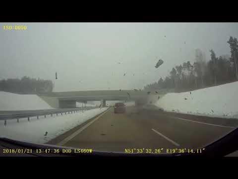 WYPADEK BMW Z SKODĄ NA A1 21.01.18(video)