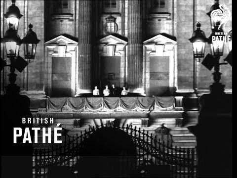 Royal Family On Balcony (1940-1949)