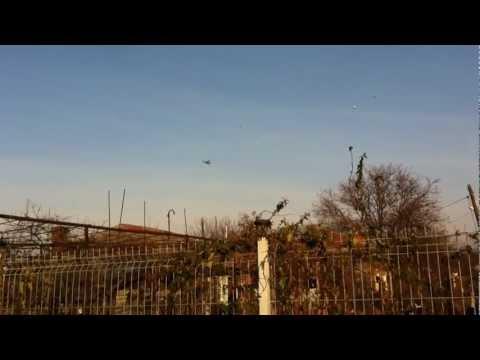 Elicopter in spatiul aerian Cernica. Repetitii 1 decembrie 2011.