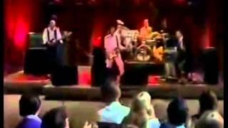 "King Crimson Live on Friday's ""Elephant Talk"" & ""Thela hun Ginjeet"""