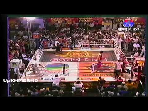 Khmer Thai International Boxing from TV5 on 28 Nov 2013  Pich Sei Ha VS Chakroen Sak