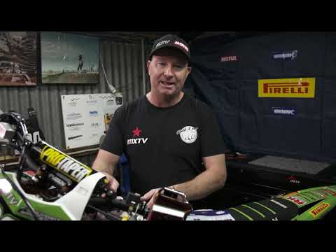 MXTV Quick Tip - Cleaning Goggles