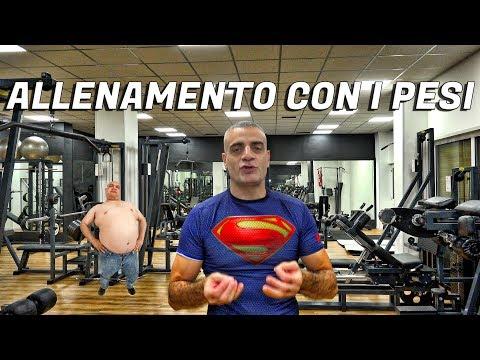Allenamento con i pesi per gli sport da combattimento