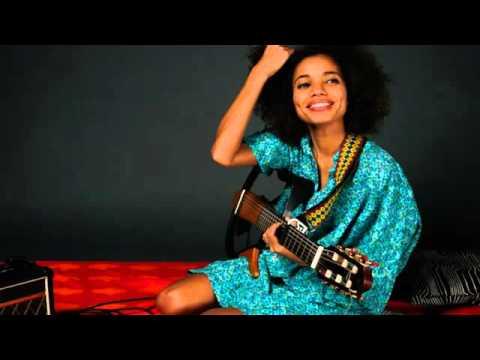 Nneka live'Walking' - My Fairy Tales