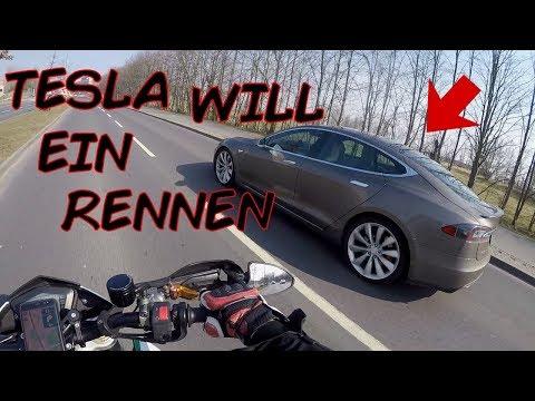 TESLA will ein Rennen?!?   Motovlog Berlin mit Debo   Dual Vlog