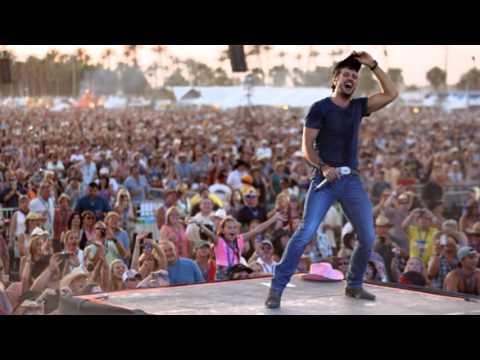 Luke Bryan Country Girl Shake It For Me Lyrics
