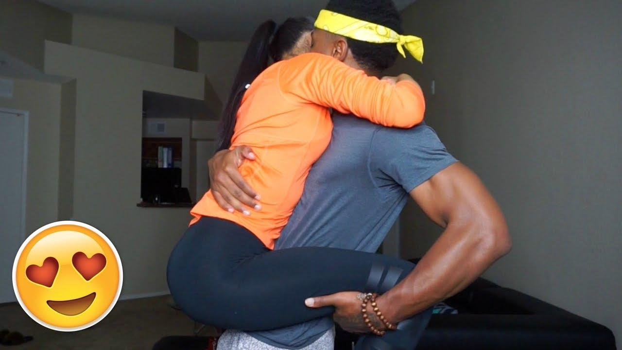 NO HANDS KISSING CHALLENGE!!! (EXPLICIT CONTENT🙈) #GOLDJUICE - YouTube