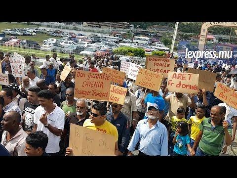 Metro Express et SCBG: les syndicalistes manifestent dans les rues de Port-Louis