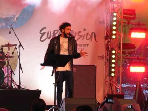 ESCKAZ live in Malmö: Marco Mengoni (Italy) - L'Essenziale (in Eurovillage)