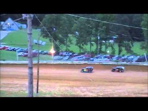 JACKSON COUNTY SPEEDWAY MOD LITE HEAT RACE JUNE 24,2011