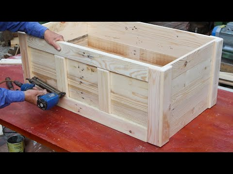 great-idea-on-pallet-woodworking-project-//-how-to-make-a-storage-chest-from-recycled-wood