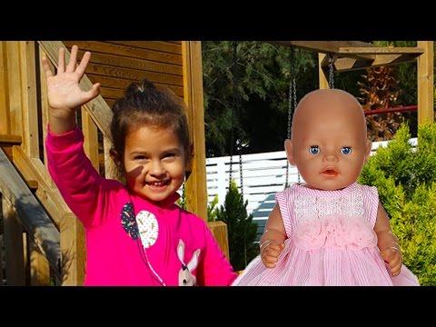 Видео: Селин и кукла Baby Born гуляют с коляской. Видео для детей. Игрушки для девочки.