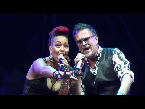 Maya Azucena with famous Croatian singer Gibonni (Mirakul)