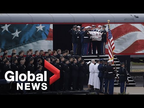 4141 locomotive carrying George H.W. Bush arrives at College Station