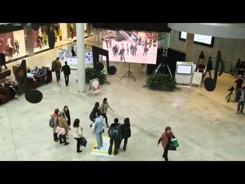 Realidad Aumentada - National Geographic. Evento en centro comercial - YouTube.flv