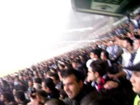Beşiktaş - Fenevbahçe - Ekinler Dize Kadar + Bi Manitom Olsaaaa :) 21.11.2009 AKBEY!