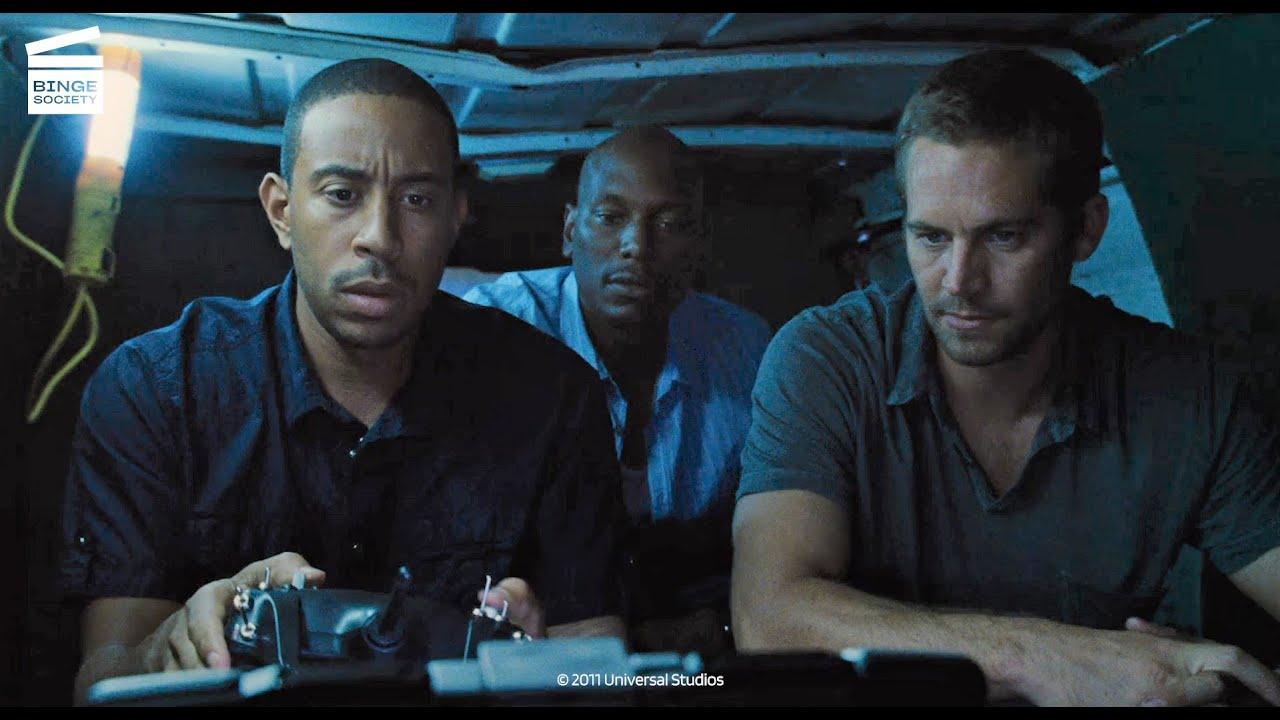 Download Fast Five: Bombing the Police Station Toilet HD CLIP