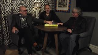 R.E.M. - Unboxing Automatic25 with Michael Stipe, Mike Mills & Anton Corbijn