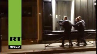 Nuevas imágenes: caos en los alrededores de la sala Bataclan en París