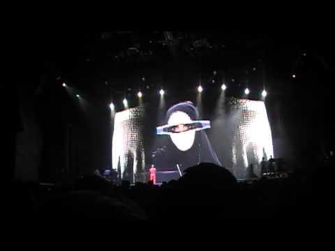 Madonna - Nobody Knows Me [Interlude] (The MDNA Tour Live In Rio)