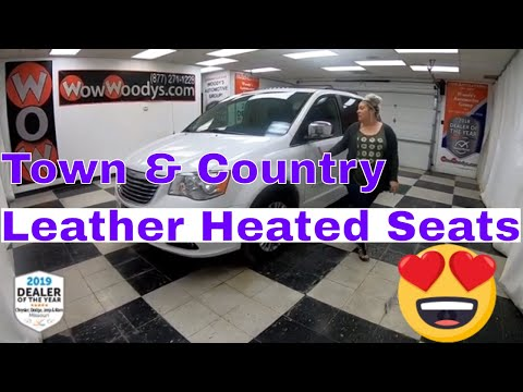 2016 Chrysler Town & Country TouringL 16HT75 Review|Video Walkaround|Used Vans for Sale at WowWoodys
