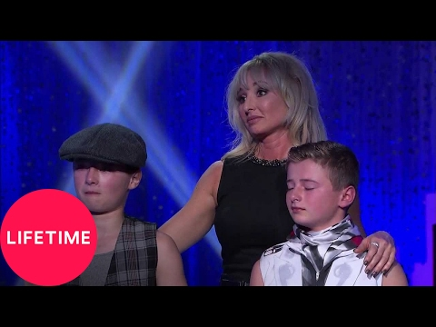 Abby's Ultimate Dance Competition: The Moms' Take: Sheryl Defends Travis' Decision | Lifetime