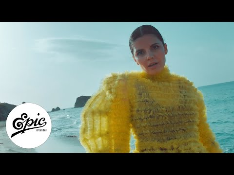 Melis Güven - Kum | Official Music Video
