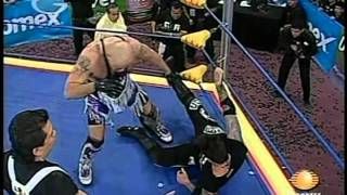 7) Vampiro vs. Konnan - Format: Mano a mano, one fall, seconds' hai...