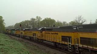 A Must See - A 35 SD40-2 Locomotive Power Move!