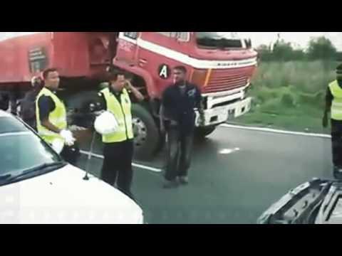 Polisi Di Ajak Duel Sopir Trailer Kok Nggak Berani - Payah Loe !!!