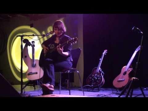 13/16 Kaki King - Communist Friends [Acoustic] (HD) mp3
